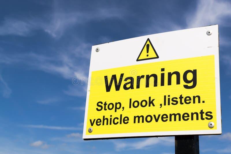 Взгляд стопа предупредительного знака слушает стоковые изображения rf