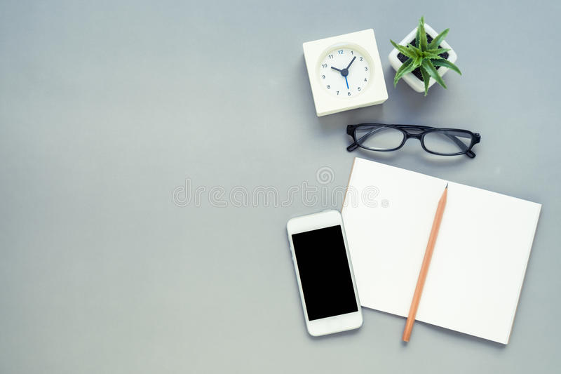 Взгляд столешницы стола офиса стоковая фотография
