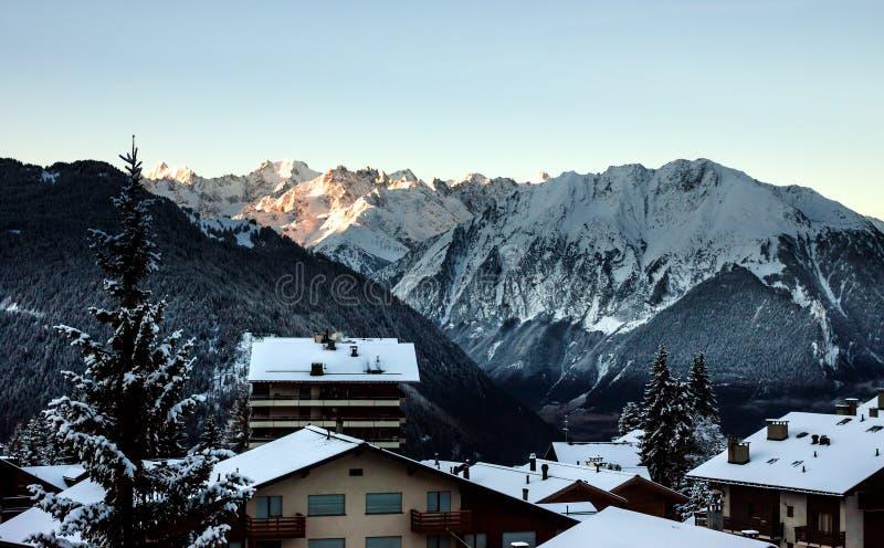 Взгляд утра от окна стоковое фото