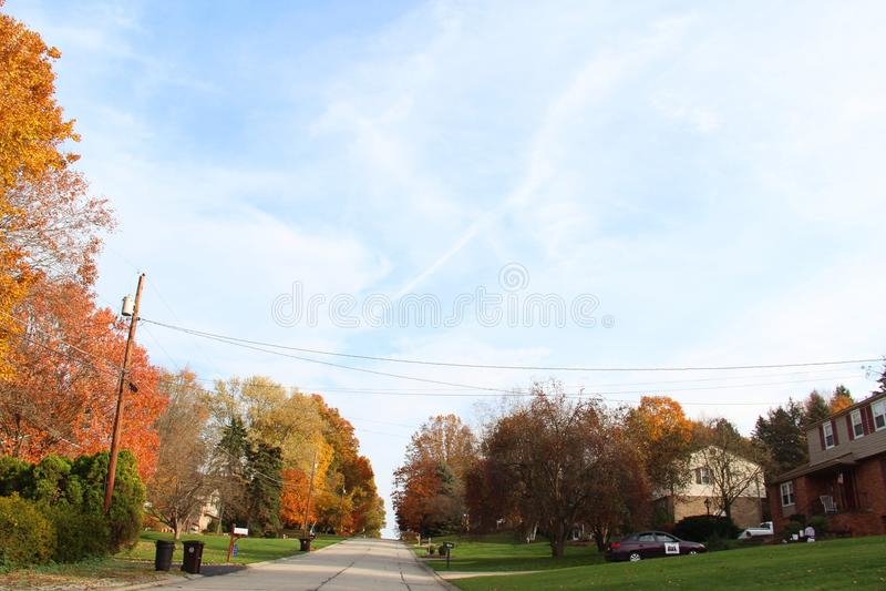 Взгляд улицы осени стоковое фото rf