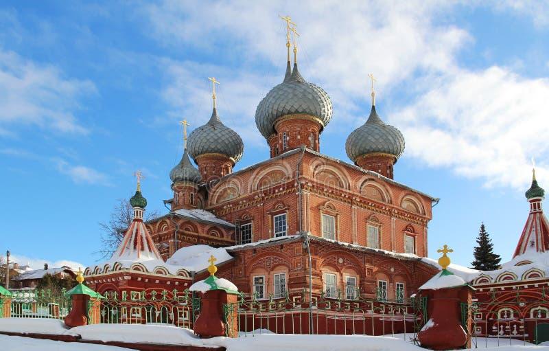 Взгляд церков воскресения на Дебре на солнечный зимний день Россия стоковая фотография