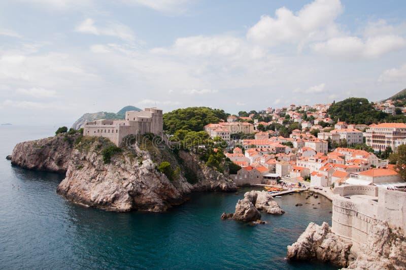 Взгляд цитадели около старого города Дубровника, Хорватии стоковое фото