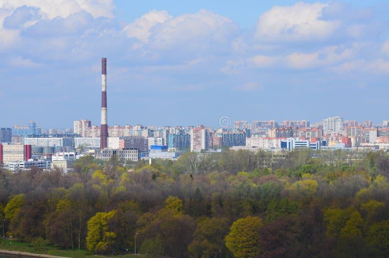 Download Взгляды города Санкт-Петербурга Стоковое Изображение - изображение насчитывающей городск, вал: 40581967
