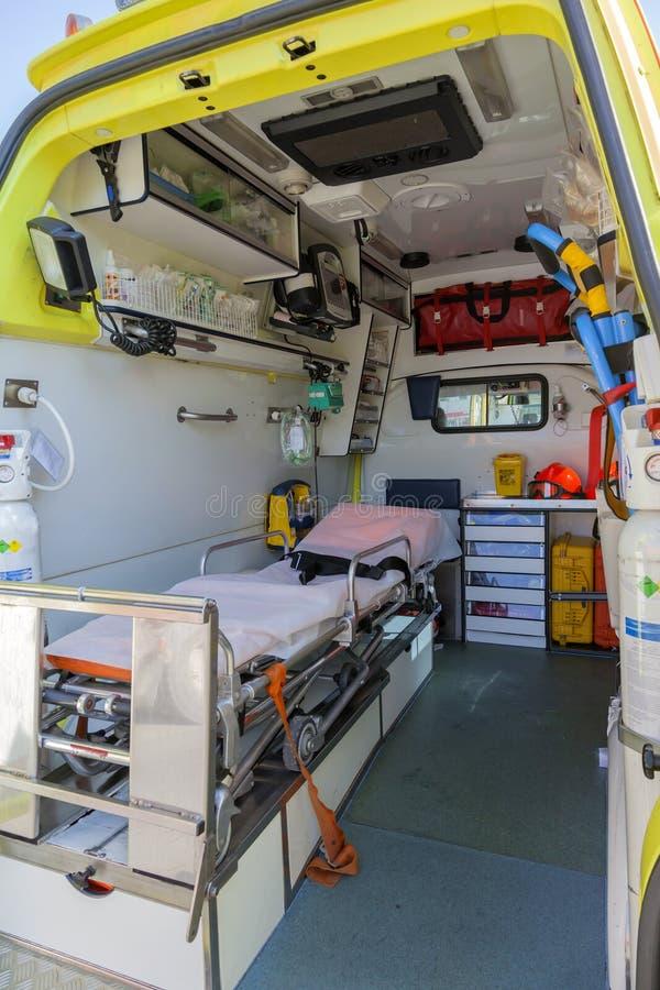 Взгляды машины скорой помощи и оборудования from inside стоковые фотографии rf