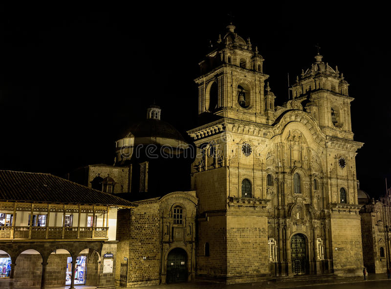 Взгляды ночи вокруг центра города Cusco, Перу стоковое фото rf