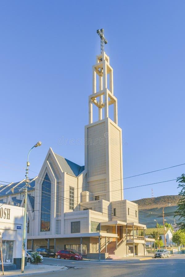 Взгляд Comodoro Rivadavia Аргентина здания церкви внешний стоковые изображения rf
