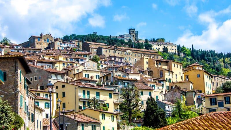 Взгляд Cortona в Тоскане, Италии стоковые изображения rf