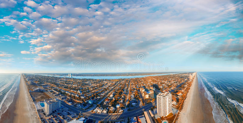 Взгляд Daytona Beach воздушный панорамный, Флорида стоковые изображения