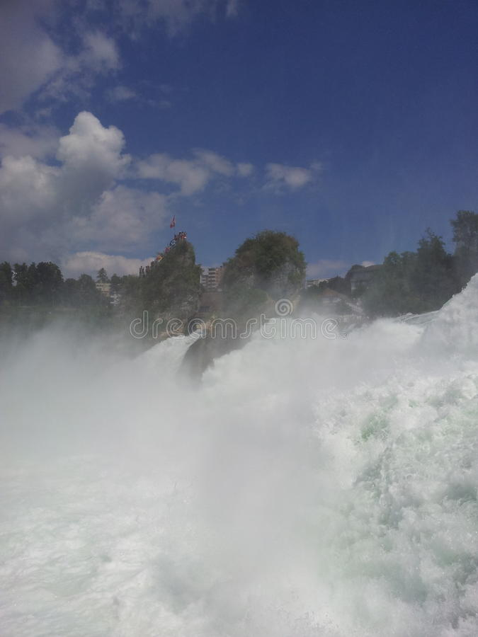 Взгляд Rhine Falls, Швейцария стоковое фото rf
