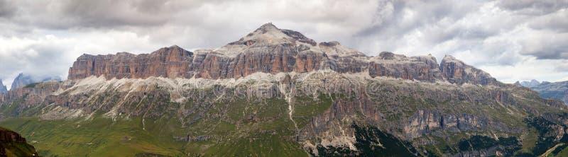Взгляд Sellagruppe или Gruppo di Sella, южного Tirol стоковое фото rf