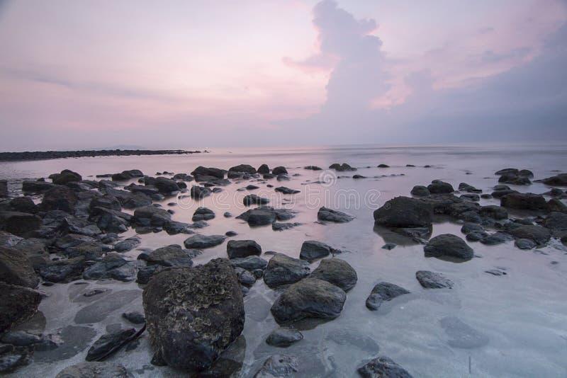 Взгляд Snenic пляжа в Бали стоковые фотографии rf