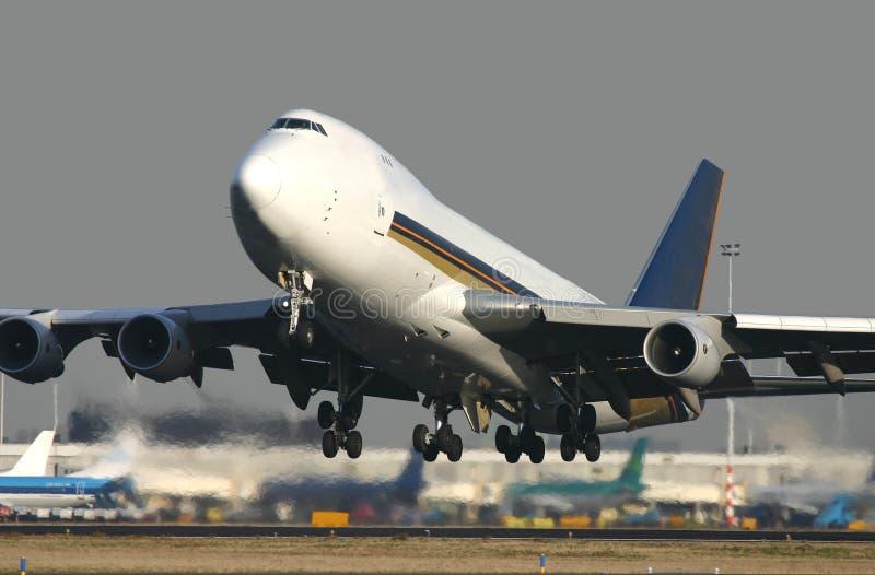 взлет 747 стоковые изображения rf