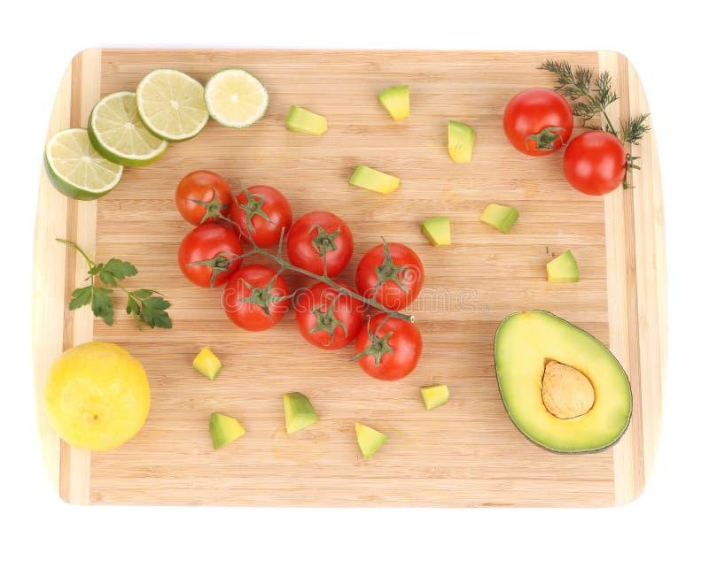 взойдите на борт овощей вырезывания свежих стоковая фотография rf