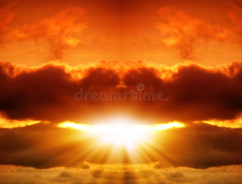 Взрыв в красном небе стоковые изображения rf