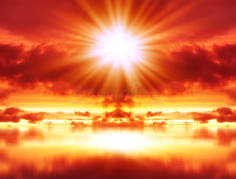 Взрыв в красном небе стоковое фото rf