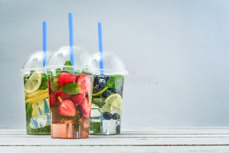 Взятие прочь выпивает концепцию стоковые фотографии rf