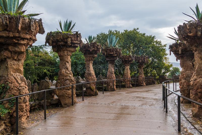 Виадук плантаторов в парке Guell, Барселоне, Испании стоковые фото
