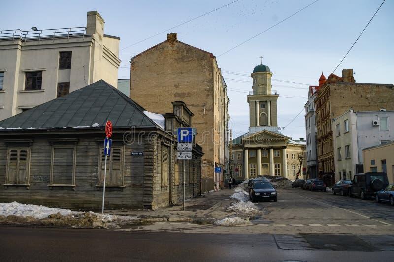 Вид в сердце Евангелической лютеранской церкви Иисуса с улицы Элихас Рига стоковое фото