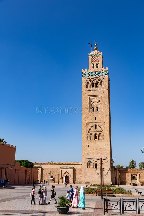 вид мечети Котубия на небо стоковая фотография rf