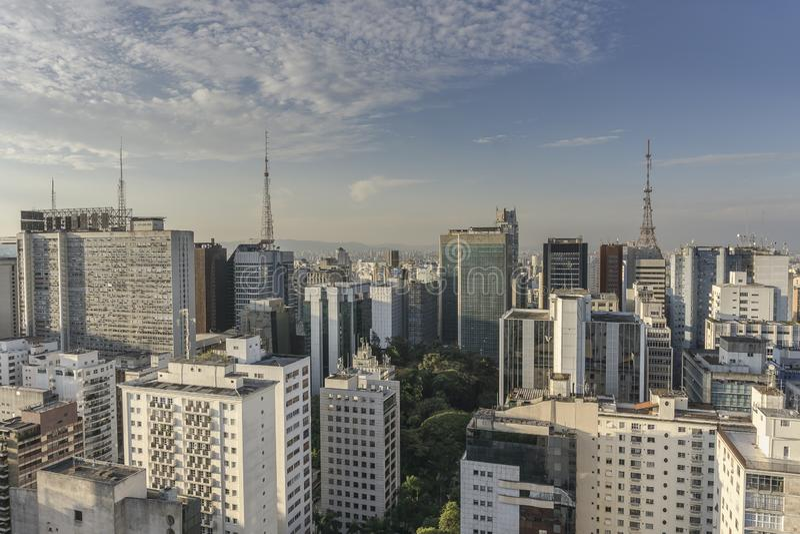 Вид на город Сан-Паулу от вершины здания стоковая фотография rf