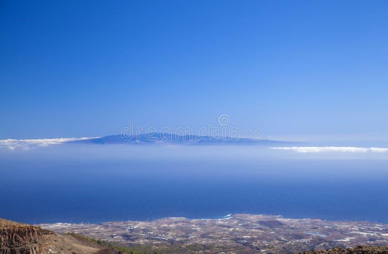 Вид на Гран-Канарию из Тенерифе стоковое изображение rf