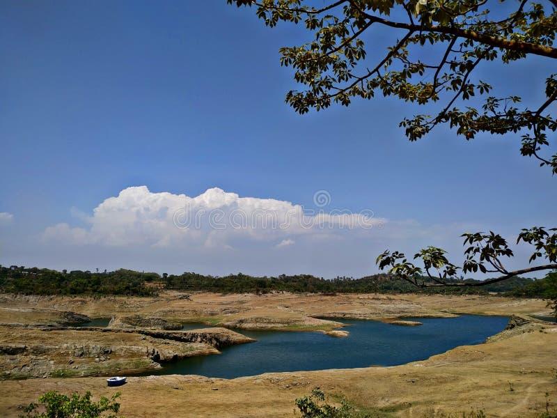 Вид на озеро лета стоковое изображение