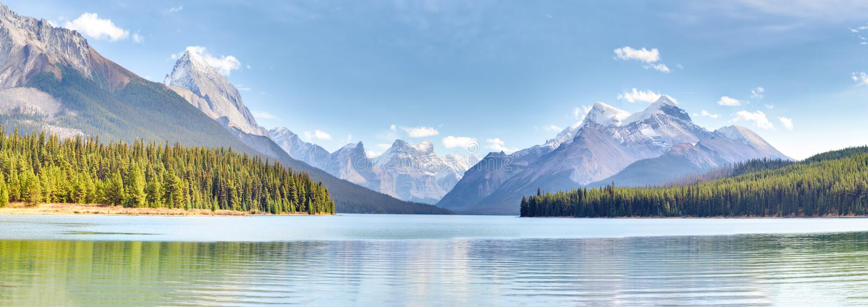 Вид на озеро Maligne стоковое изображение