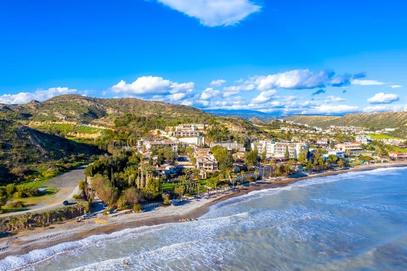 Вид на пляж и отели Писсури Лимассол (округ, Кипр) стоковое фото