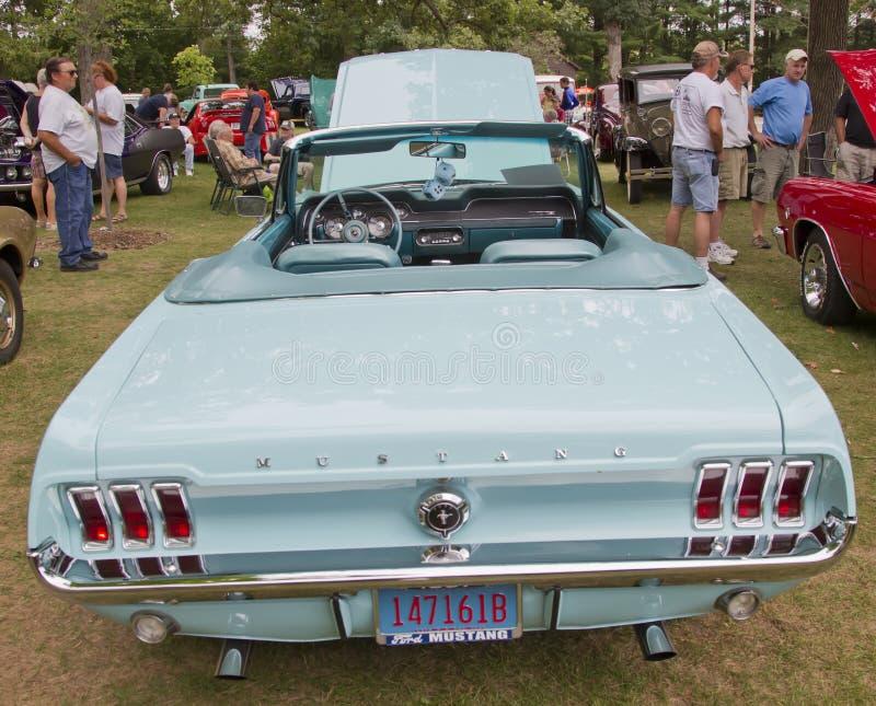 Вид сзади 1967 мустанга Ford Aqua стоковое фото