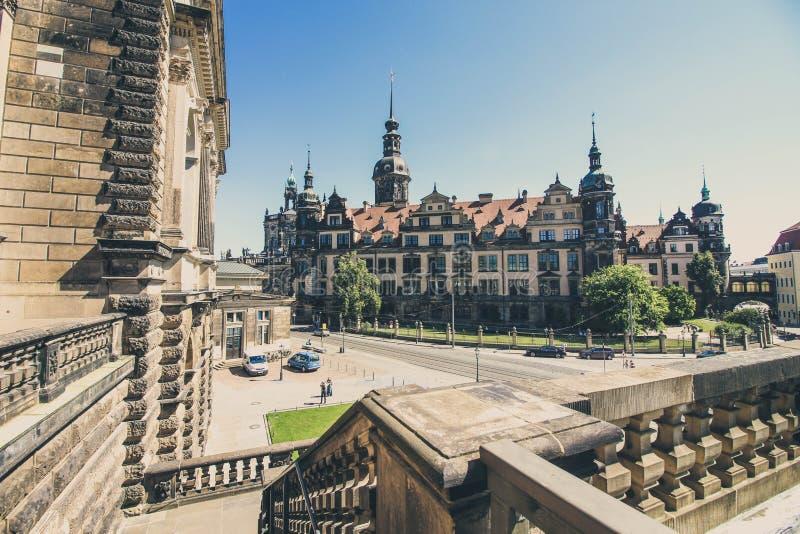 Вид спереди волшебной улицы в Дрездене стоковое изображение