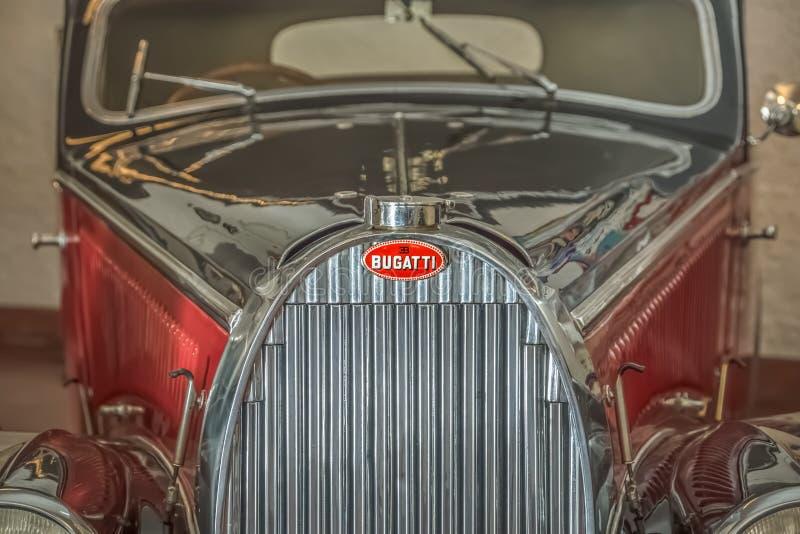 Вид спереди классического автомобиля, Bugatti Stelvio в выставке на музее автомобиля Caramulo стоковая фотография