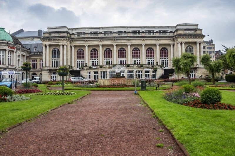 Вид спереди присутствующего здания большого Kursaal, бального зала Ла Redoute восемнадцатого века - самого старого казино в wo стоковые фотографии rf