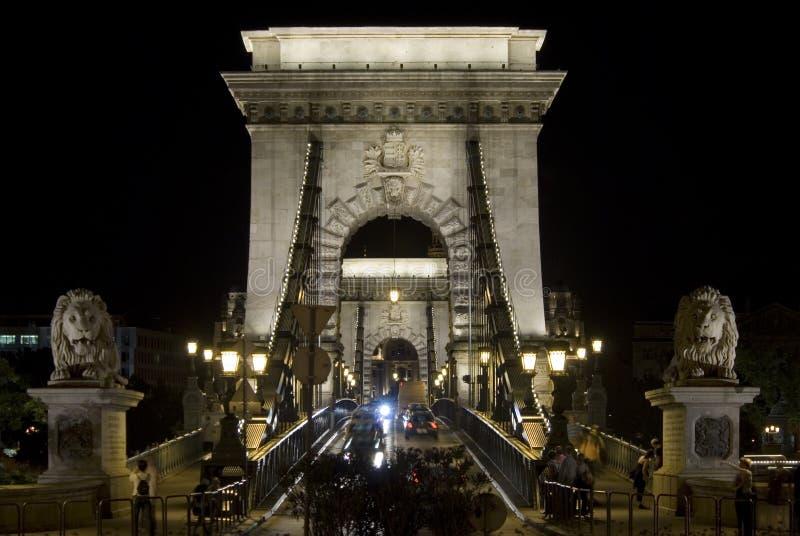 вид спереди budapest моста цепной стоковое изображение