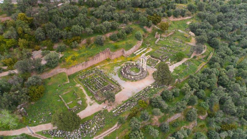 Вид с воздуха археологических раскопок старого Дэлфи, места виска Аполлона и Oracle, Греции стоковое изображение rf