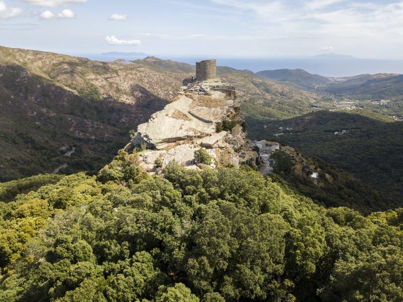Вид с воздуха башни Seneca, Корсика, Франция стоковые изображения