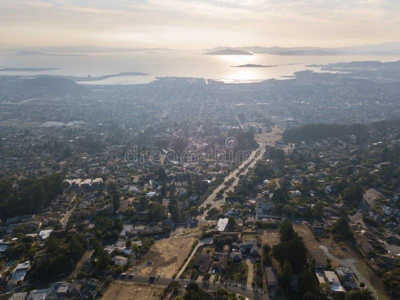 Вид с воздуха восточных залива и San Francisco Bay стоковое изображение