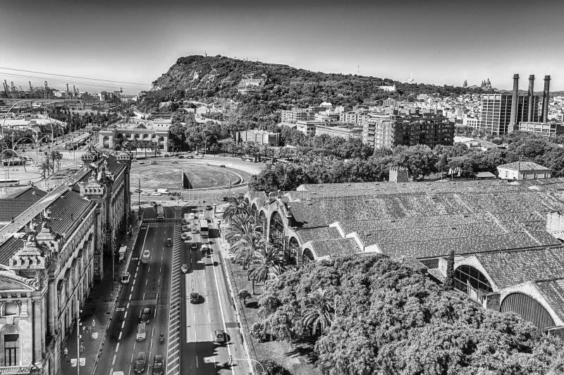 Вид с воздуха с горой Montjuic в предпосылке, Барселоне, коте стоковые изображения