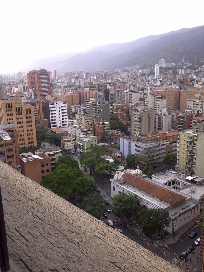 Вид с воздуха жилых домов и офисов города Каракаса стоковое изображение rf
