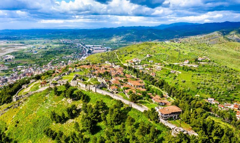 Вид с воздуха замка Berat в Албании стоковая фотография rf