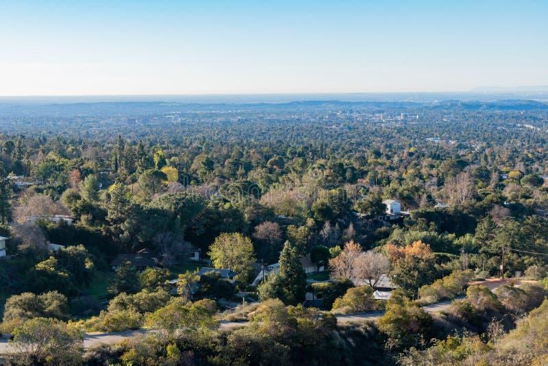 Вид с воздуха зоны гор и Altadena стоковое изображение rf