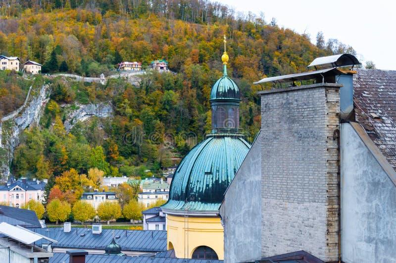 Вид с воздуха исторического города Зальцбурга, Австрии стоковые изображения