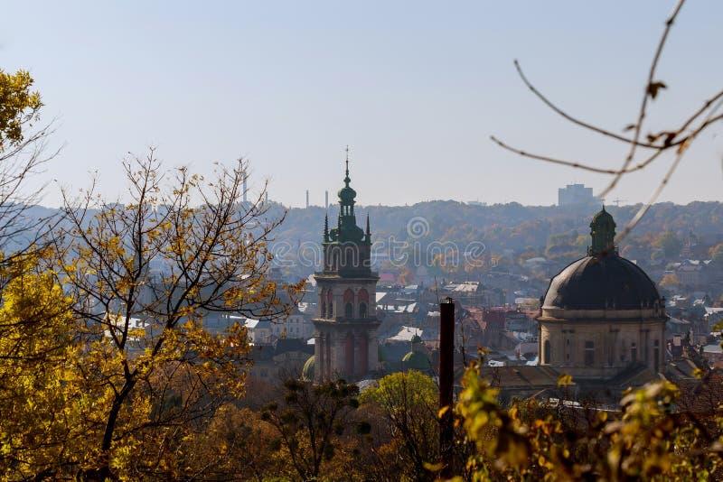 Вид с воздуха исторического центра Львова, UNESCO& x27; культурное наследие s стоковые фотографии rf