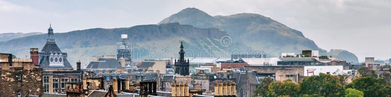 Вид с воздуха исторической части в Эдинбурге, Шотландии стоковые фото