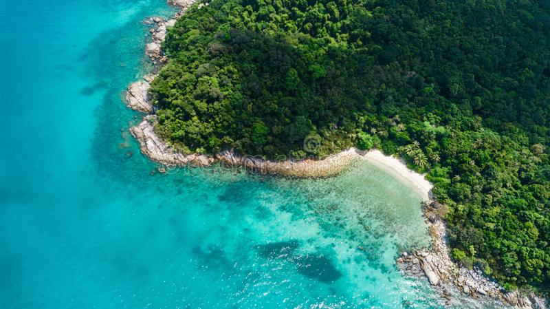Вид с воздуха красивого пляжа в Малайзии Пляж черепахи в Pulau Perhentian Kecil стоковое изображение