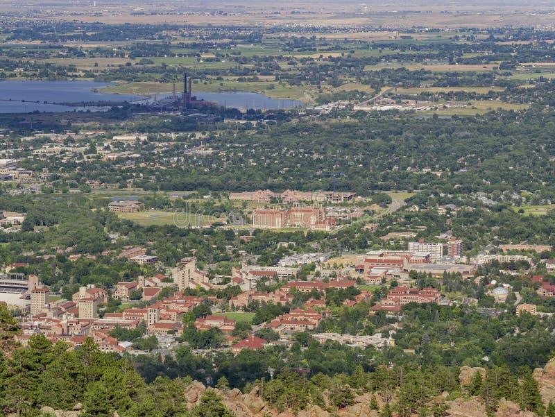 Вид с воздуха красивого университета Колорадо Больдэра стоковая фотография