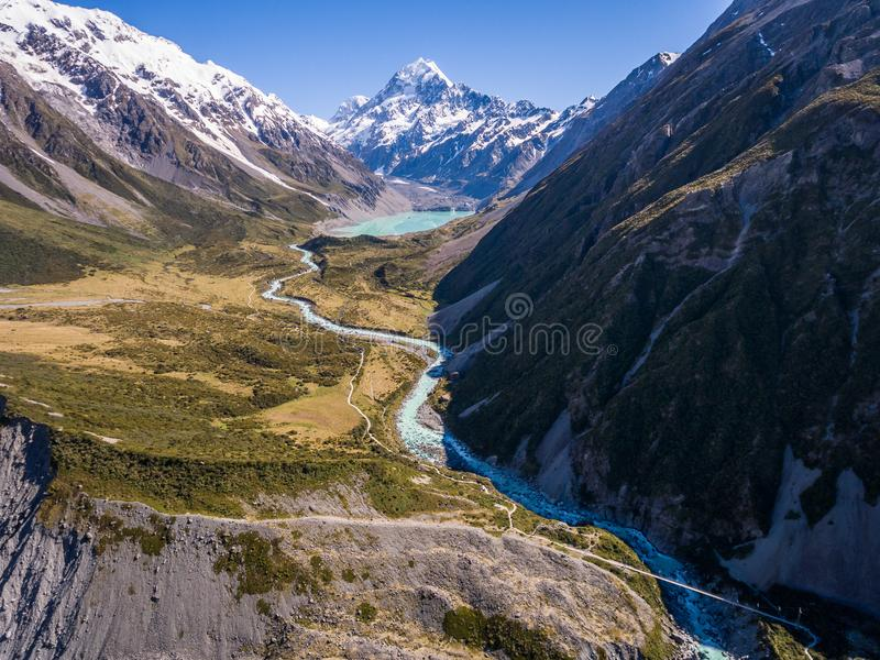 Вид с воздуха ландшафта кашевара Mt, Новой Зеландии стоковые изображения rf
