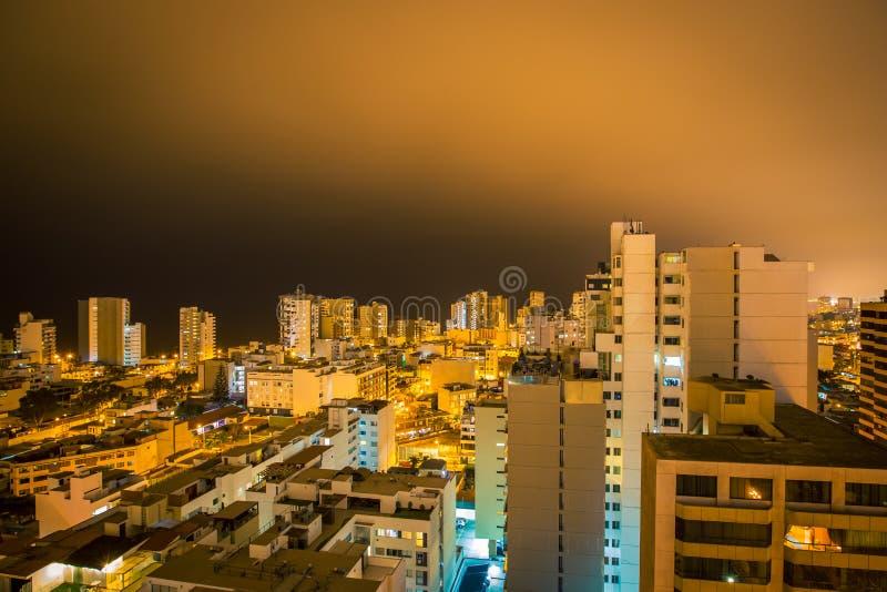 Вид с воздуха Лимы на ноче стоковое изображение