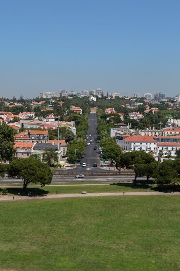 Вид с воздуха Лиссабона от башни Belem на Реке Tagus, Португалии стоковое фото rf