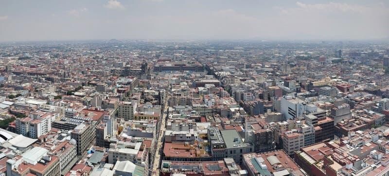 вид с воздуха Мехико в городской зоне стоковые изображения rf