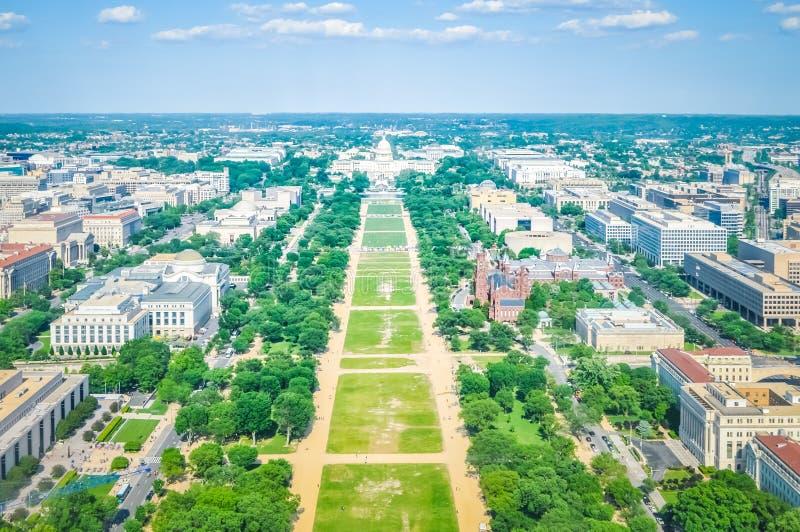 Вид с воздуха национального торгового центра со зданием капитолия в DC США Вашингтона стоковая фотография